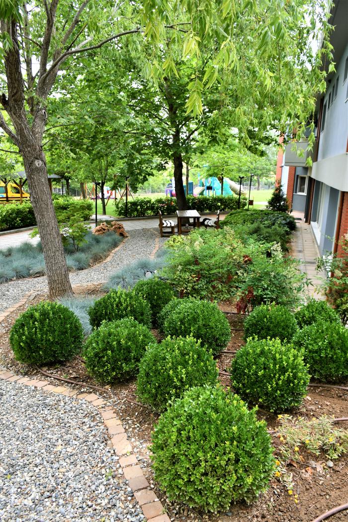 Η διακόσμηση του κήπου το καλοκαίρι